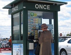 ONCE premieres its new, more accessible, environmentally friendly lottery kiosk model in Benidorm
